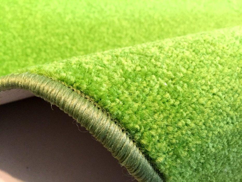 Zeleny koberec